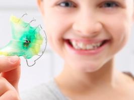 niña con ortodoncia interceptiva